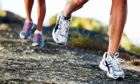 correre-come-appogiare-piedi-durante-corsa-camminata